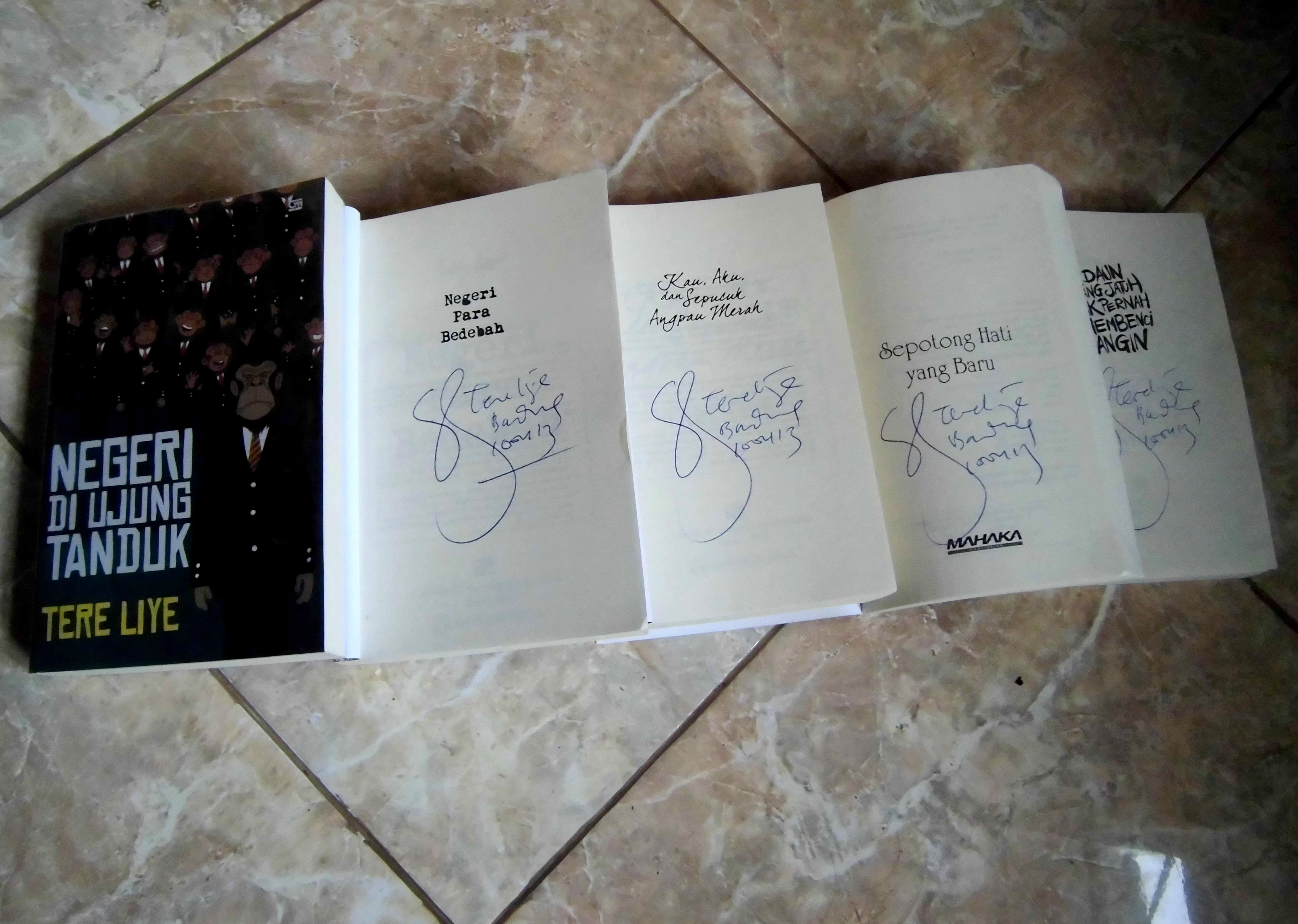 Novel Infiruu Khifafan Wa Tsiqolan Negeri Para Bedebah Tere Liye Cimg0439